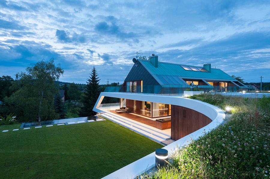 EDGE House - Dom na skarpie. Projekt: Mobius Architekci