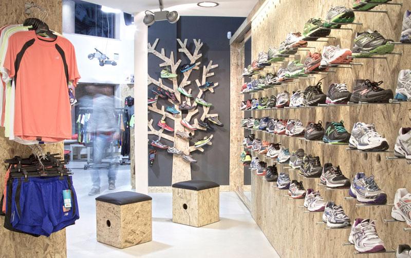 Projekt wnętrza sklepu sklepu sportowego w Warszawie