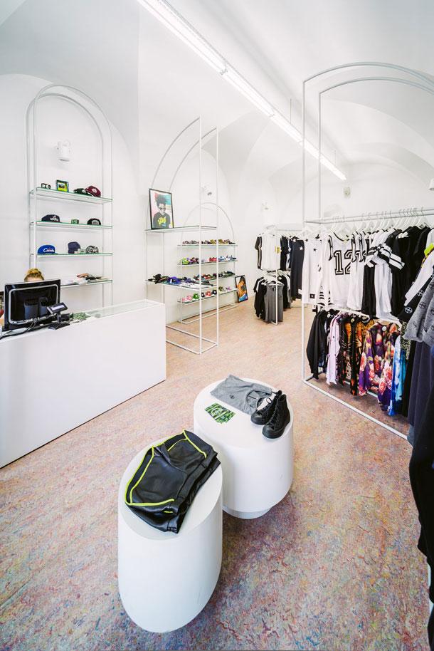 Headquarters Store we Wrocławiu. Projekt: BudCud