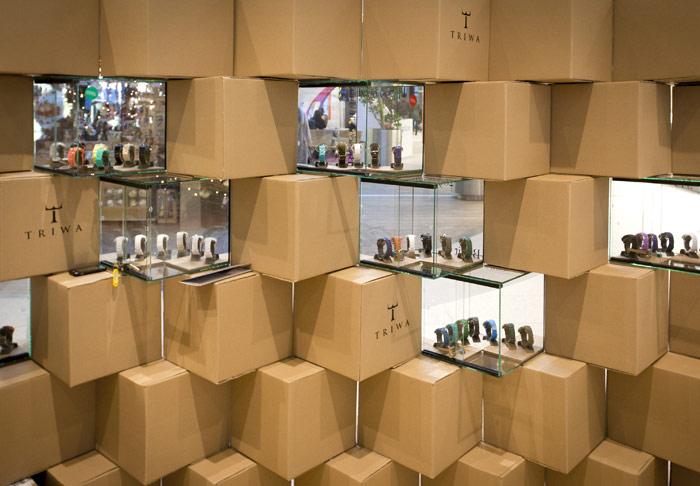 Tymczasowy sklep z zegarkami marki Triwa. Projekt: mode:lina architekci
