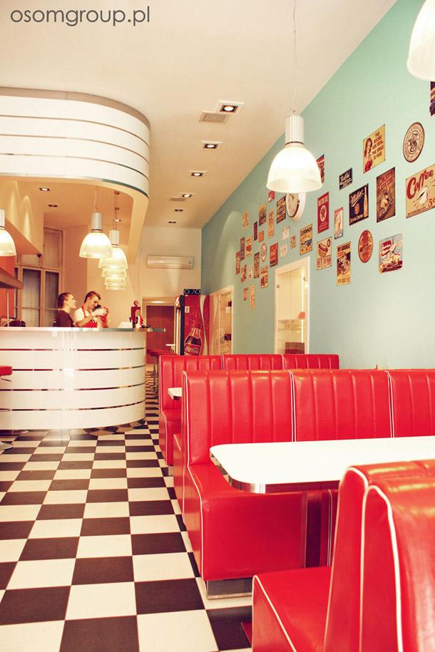 Aranżacja wnętrza restauracji w stylu amerykańskim. Projekt: OSOM Group