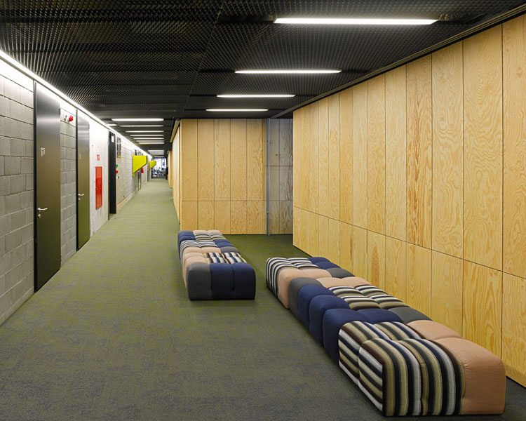 Wnętrza siedziby Allegro Group w Poznaniu. Projekt: Ultra Architects
