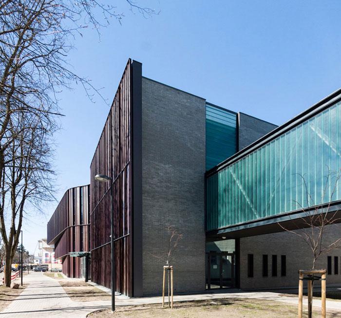 Aula Uniwersytetu w Białymstoku. Projekt: Arkon Jan Kabac + Meteor Architects