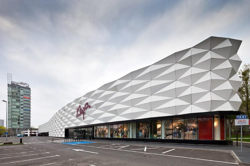 Dom Mody Klif W Warszawie. Projekt: Grupa 5 Architekci