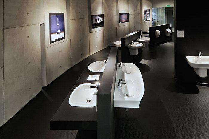 Salon Sanitec Koło w Krakowie. Projekt: A+D