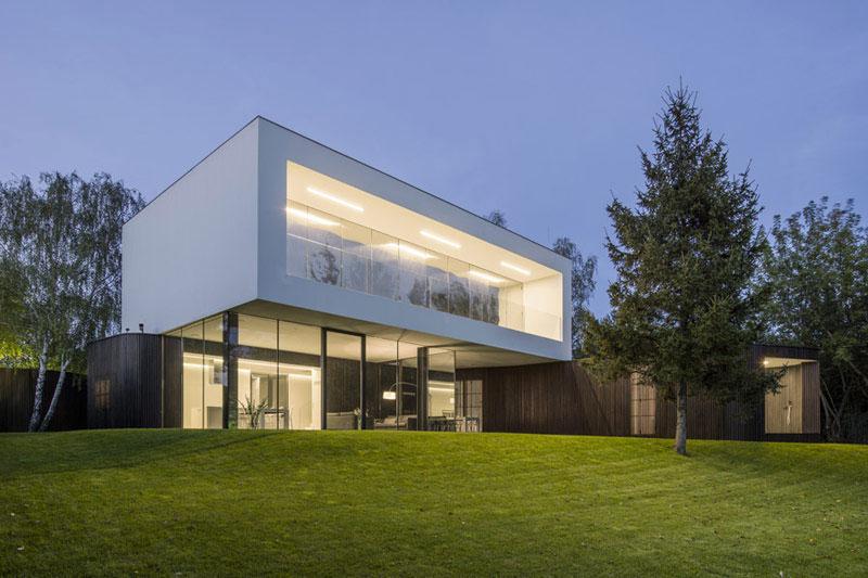 Nowa odmiana domu – Living-Garden House w Izbicy. Projekt: Robert Konieczny – KWK Promes. Zdj. Jakub Certowicz