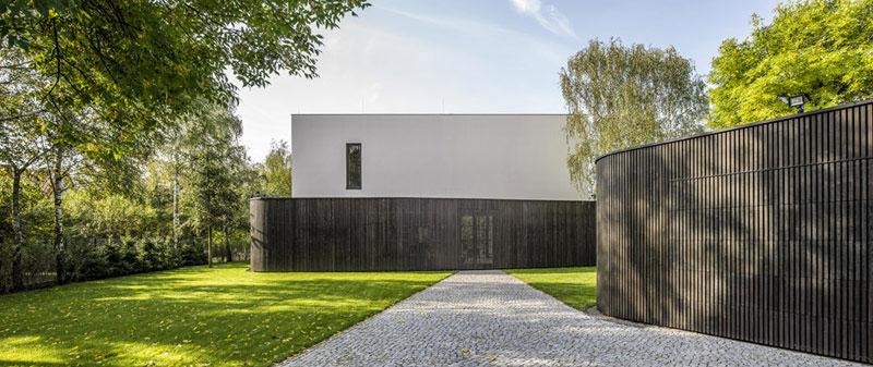 Living-Garden House w Izbicy. Projekt: Robert Konieczny - KWK Promes. Zdjęcie: Jakub Certowicz