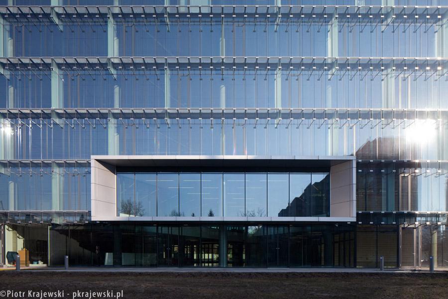 Biurowiec Pacific Office Building w Warszawie. Projekt: Estudio Lamela Arquitectos. Zdjęcia: Piotr Krajewski