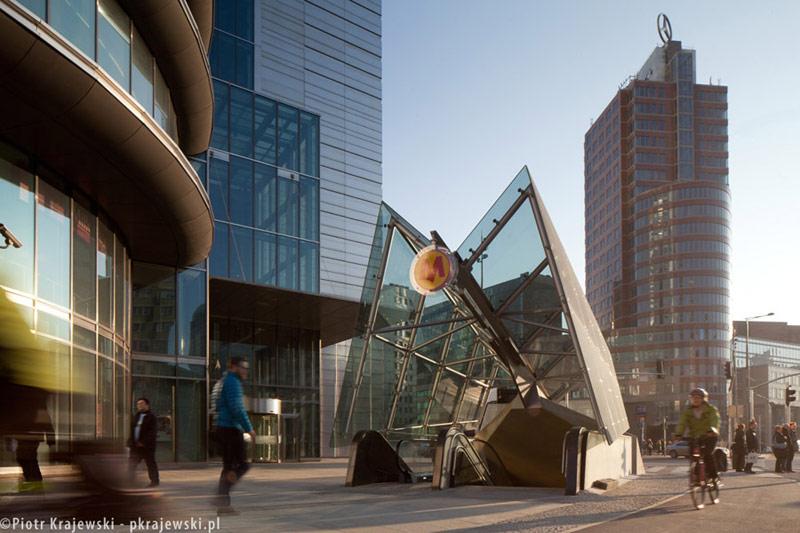 II Linia Metra w Warszawie. Projekt: AMC - Andrzej M. Chołdzyński. Zdjęcia: Piotr Krajewski