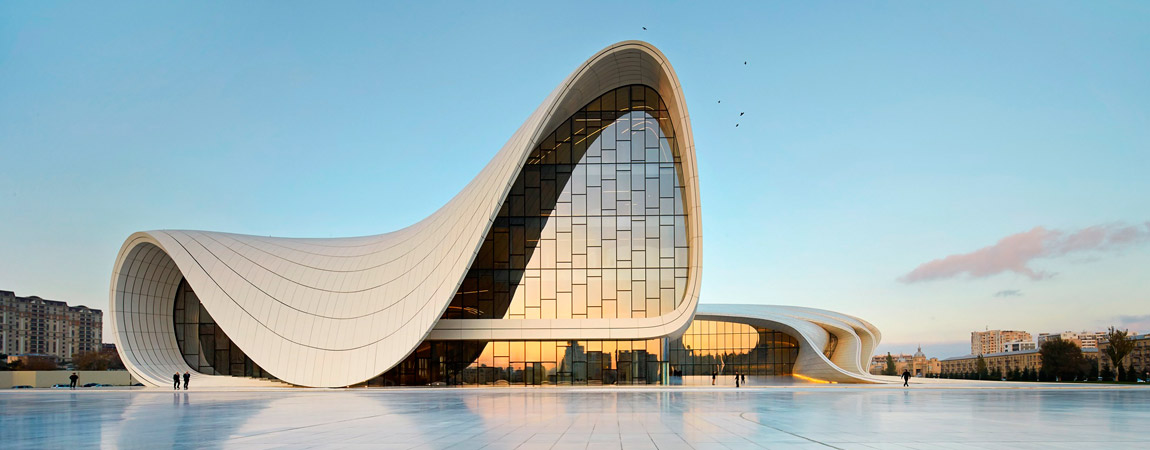 Centrum Kulturalne Heydar Aliyev Center w Baku. Projekt: Zaha Hadid Architects