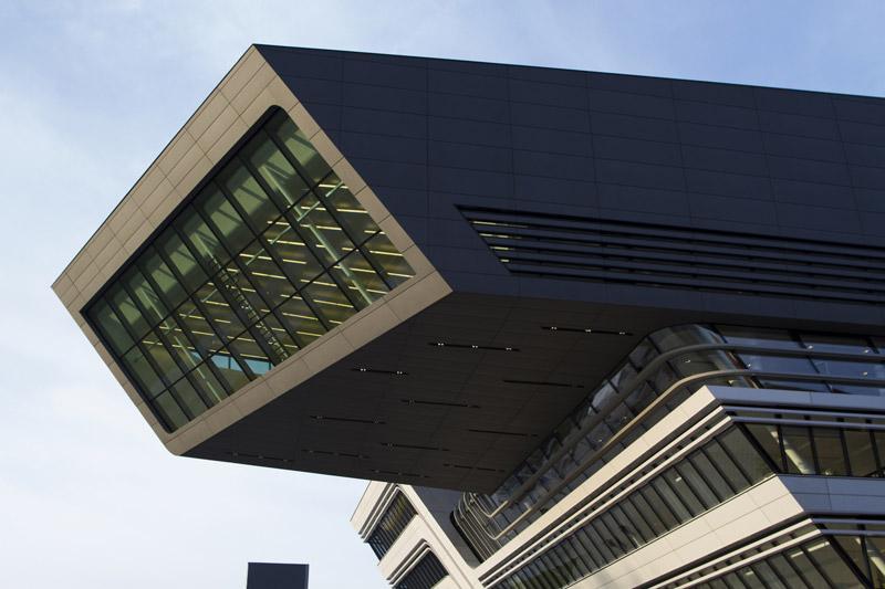 Library and Learning Centre University of Economics Vienna. Projekt: Zaha Hadid Architects
