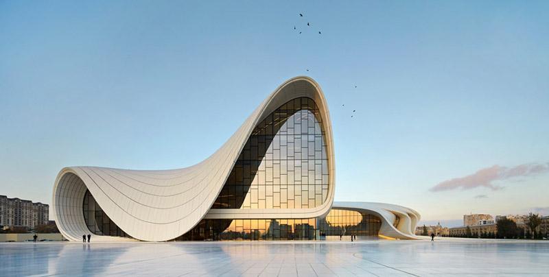 "Centrum Kulturalne ""Heydar Aliyev Center"". Projekt: Zaha Hadid Architects"
