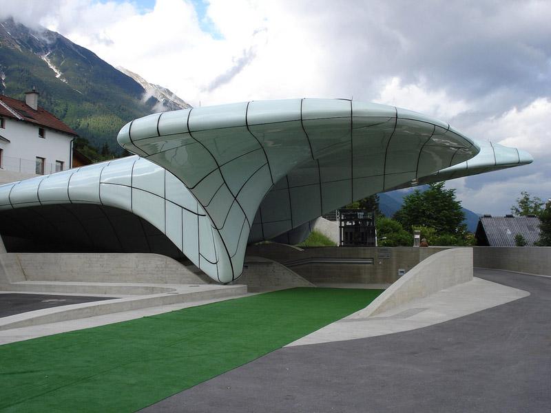 Stacje kolejowe w Innsbrucku. Projekt: Zaha Hadid Architects