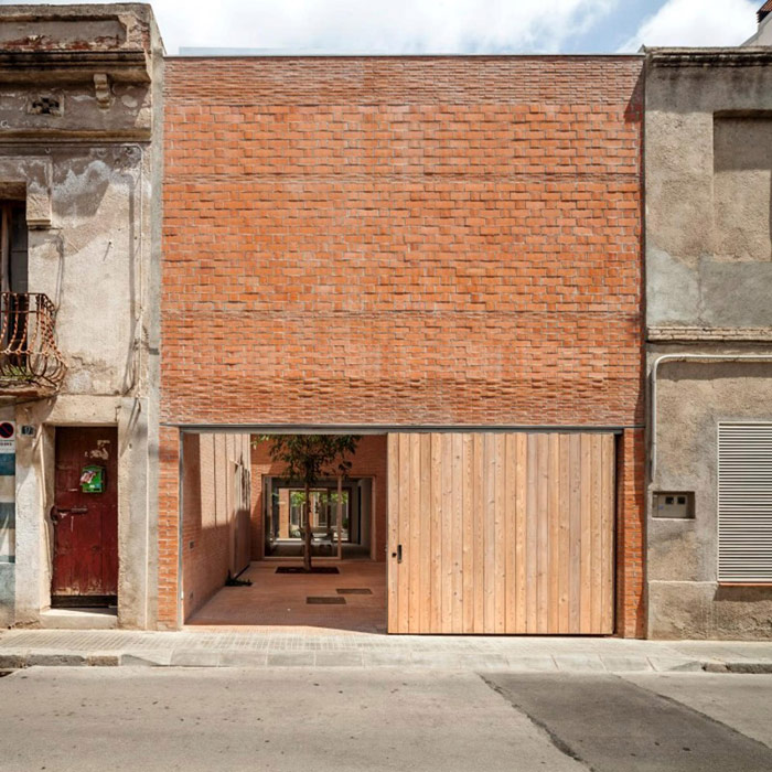 House 1014, Granollers, Barcelona, Hiszpania. Projekt: HARQUITECTES