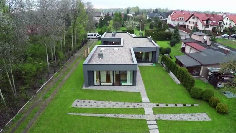 """Dom z Tarasami. Projekt: PAG Pracownia Architektury Głowacki. Źródło: """"Domy Przyszłości"""" / YouTube"""