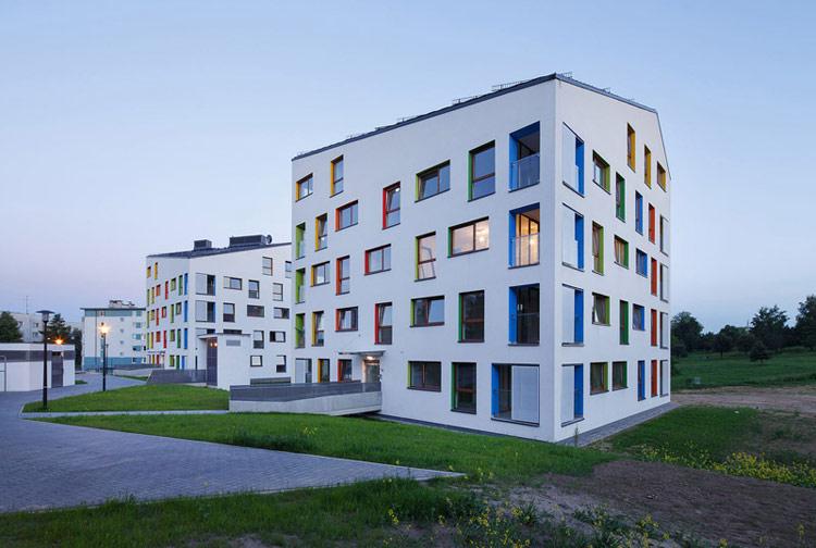 Budynki mieszkalne na osiedlu Bohaterów Września w Krakowie. Projekt: Architekt Lemański. Zdjęcia: Tomasz Zakrzewski