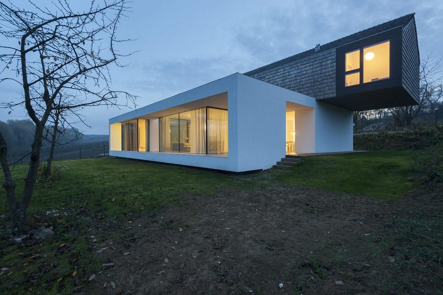 Dom 2 in 1. Projekt: Przemek Olczyk | Mobius Architekci