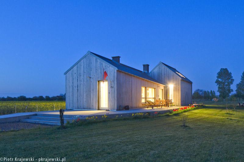 """Dom jednorodzinny """"Field House"""", Głogów. Projekt: Blank Architects. Zdjęcia: Piotr Krajewski"""