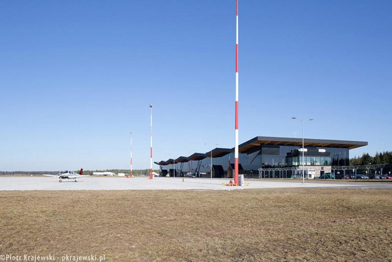 Port Lotniczy Olsztyn-Mazury w Szymanach. Projekt: Studio Form Architektonicznych PANTEL. Zdjęcie: Piotr Krajewski