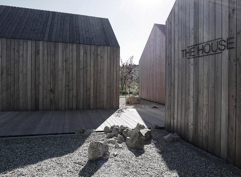 """Dom jednorodzinny """"The House"""" w Chruszczobrodzie. Projekt: Górnik Architects"""