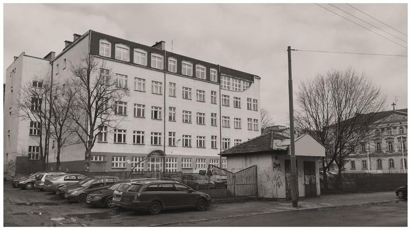 Zespół sal gimnastycznych we Wrocławiu