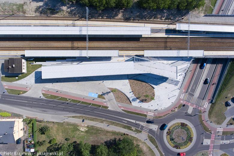 Zintegrowany Węzeł Transportowy w Solcu Kujawskim. Projekt: RYSY Architekci   Rafał Sieraczyński. Zdjęcie: Piotr Krajewski