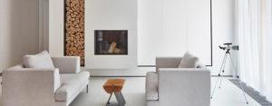 Połączenie bieli i drewna – przytulny apartament projektu studia 81.WAW.PL