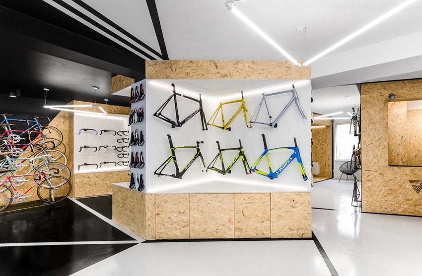 Sklep rowerowy VÈLO7 w Poznaniu. Projekt wnęrz: mode:lina™. Zdjęcia: Patryk Lewiński