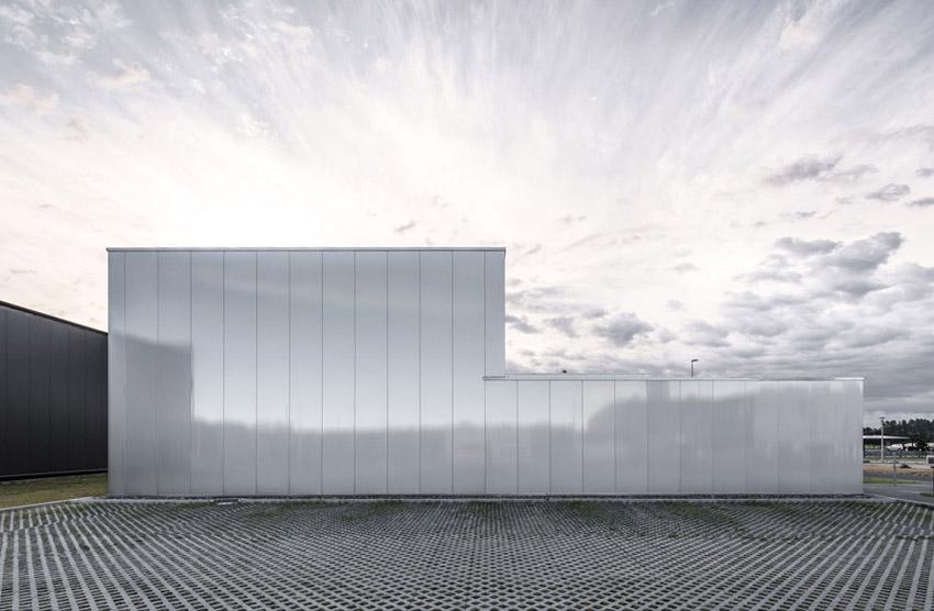 Budynek biurowo-magazynowy Agencji Reklamy FUX, Nowe Gliwice. Projekt: INTERURBAN