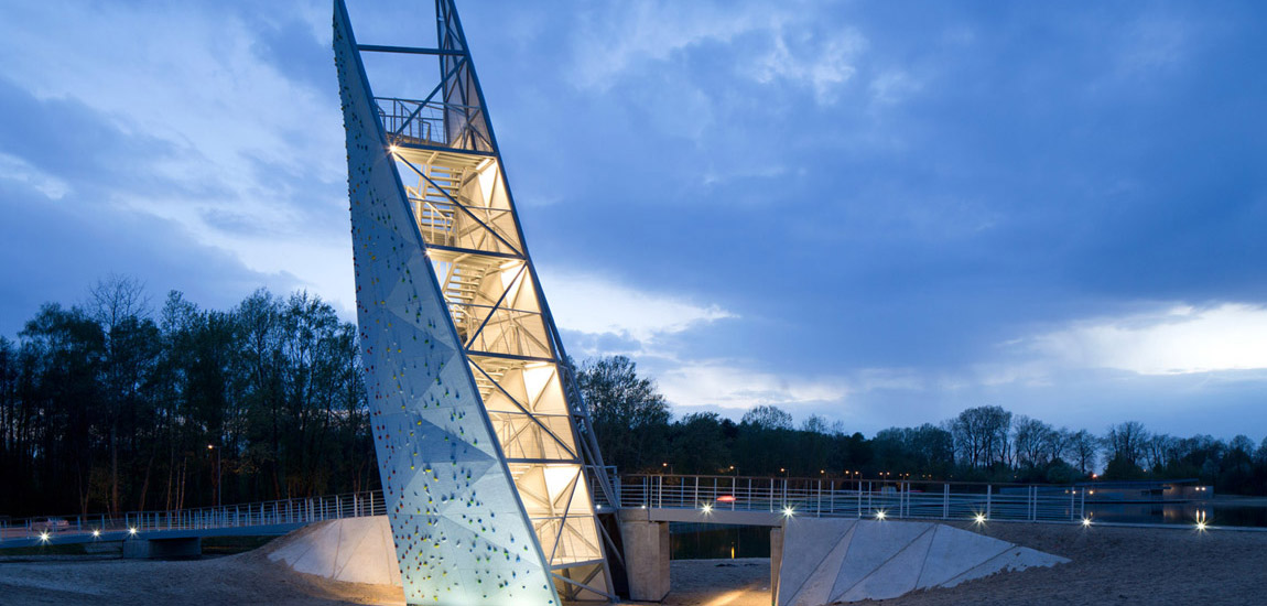Wieża Widokowa przy Zalewie Bardowskiego w Warszawie projektu RYSY Architekci