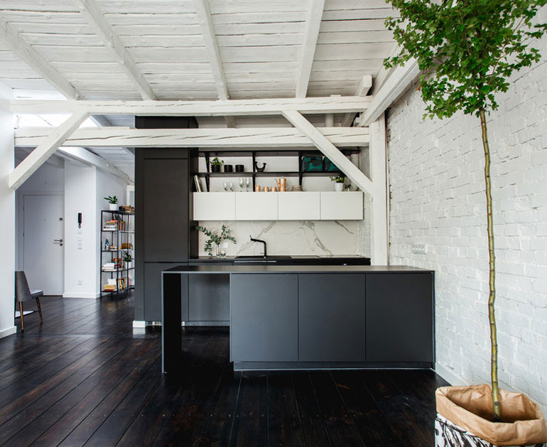 Wnętrze mieszkania w kamienicy. Projekt: NOFO   Katarzyna Małkiewicz. Zdjęcia: Sandra Rabczewska