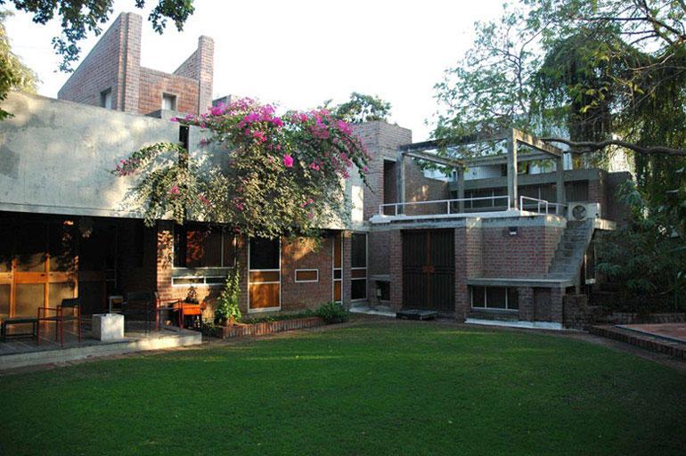 Kamala House, 1963, Ahmedabad, Indie. Zdjęcie dzięki uprzejmości VSF