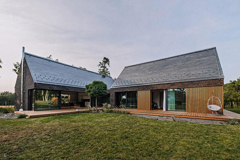 Dom w Dobrej pod Szczecinem. Projekt: Biuro projektowe maxberg – architekt Karol Nieradka