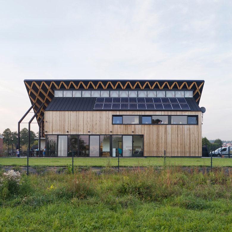 Dom za Dachem, Kraków. Projekt: Superhelix Pracownia Projektowa – Bartłomiej Drabik