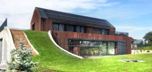 Dom z zieloną pochylnią projektu pracowni MIDI