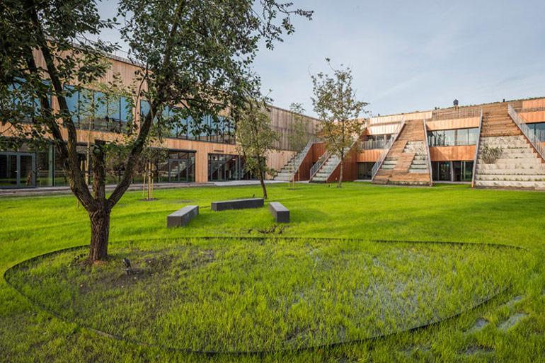 Liceum ogólnokształcące Akademeia High School w Warszawie. Projekt: medusagroup. Zdjęcia: Juliusz i Jędrzej Sokołowscy