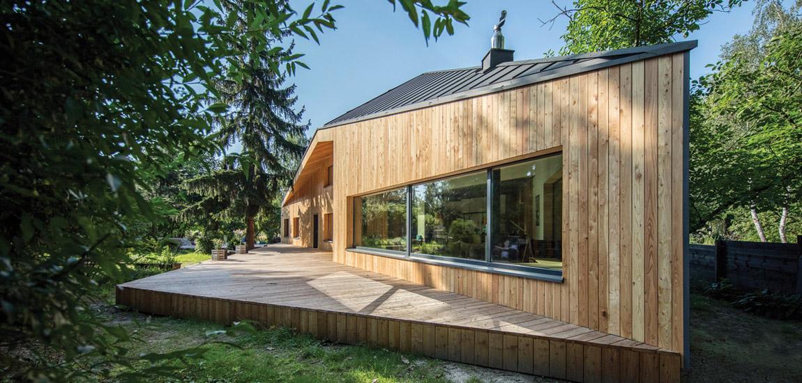 Dynamicznie ukształtowana bryła domu projektu BECZAK / BECZAK / ARCHITEKCI