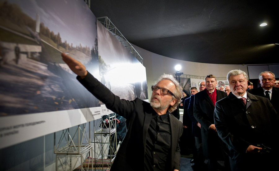 Mirosław Nizio prezentuje projekt muzeum Petrowi Poroszenko @ Biuro Prasowe Prezydenta Ukrainy