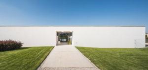 Od projektu typowego do ciekawej koncepcji z falującym trawnikiem – Cichy dom biura toprojekt