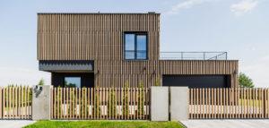 Dom w otulinie parku krajobrazowego projektu pracowni ZONA Architekci