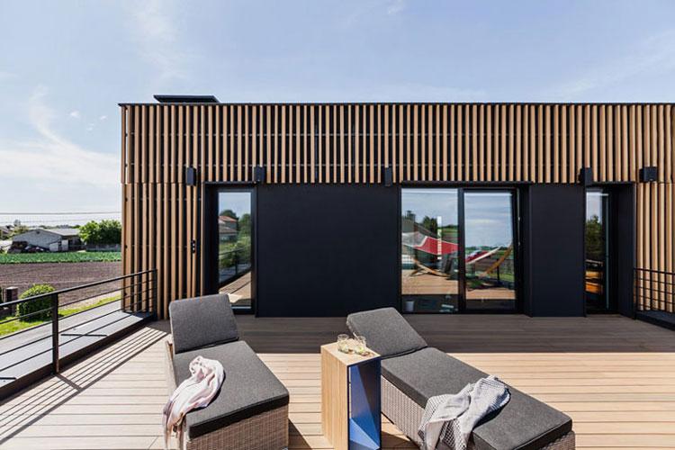Dom w otulinie parku krajobrazwego. Projekt: ZONA Architekci. Zdjęcie: PION