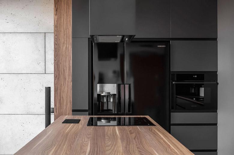 Apartament dla mężczyzny. Projekt wnętrz: ZONA Architekci. Zdjęcie: Krzysztof Strażyński