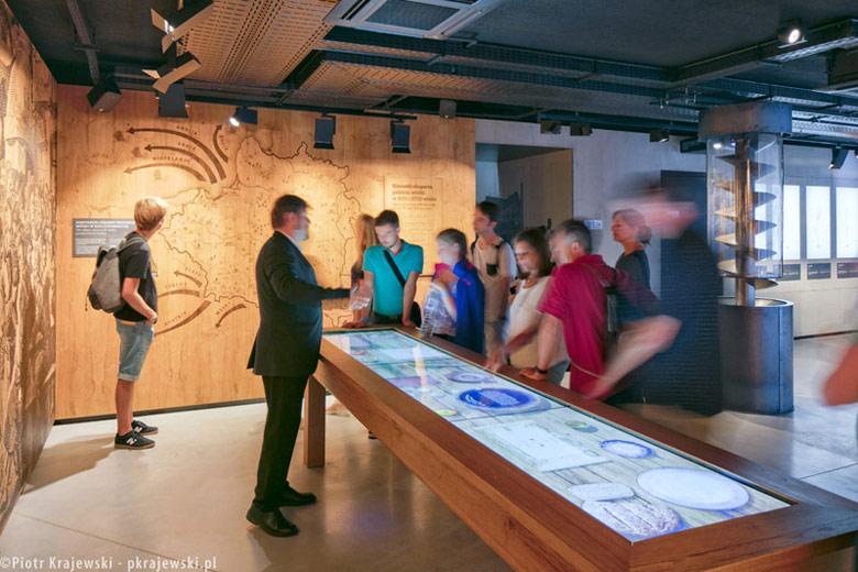 Wystawa stała Muzeum Polskiej Wódki w Warszawie. Projekt ekspozycji: Nizio Design International | Mirosław Nizio. Zdj. Piotr Krajewski