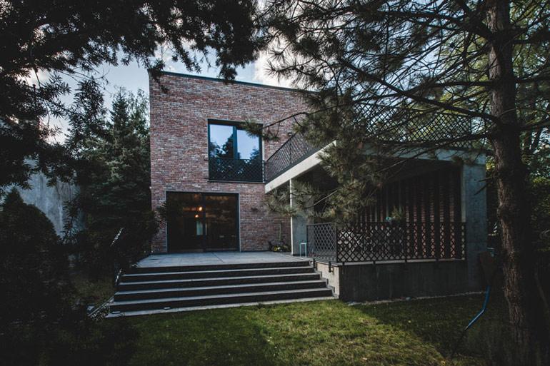Dom z recyklingu w Warszawie. Projekt: Pracownia Architektoniczna MAZM. Zdjęcia: Ignacy Matuszewski