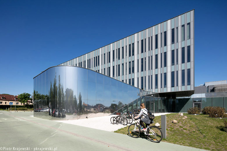 Instytut Biotechnologii Uniwersytetu Gdańskiego. Projekt: Warsztat Architektury Pracownia Autorska. Zdj. Piotr Krajewski