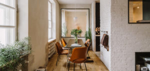 Apartament w przedwojennej, klimatycznej kamienicy pracowni MFRMGR Architekci
