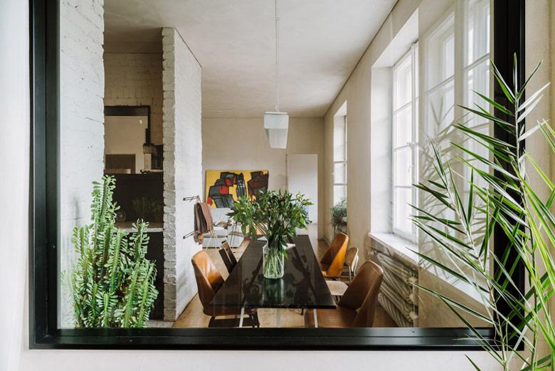 Apartament w przedwojennej, klimatycznej kamienicy, Warszawa. Projekt wnętrz: MFRMGR Architekci. Zdj. PION