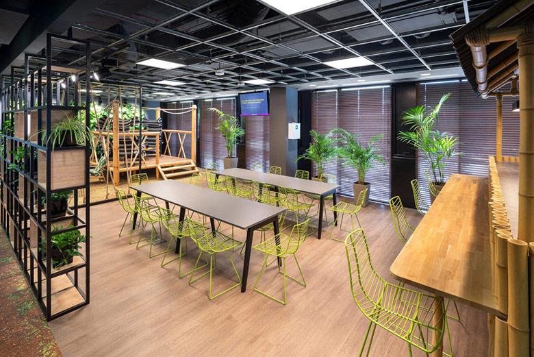 Biura AstraZeneca, Warszawa. Projekt wnętrz:Massive Deisgn. Zdj. Szymon Polański