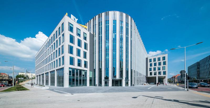 Budynek Sagittarius Business House. Materiały graficzne oraz zdjęcia © Guardian Glass, LLC. Wszystkie prawa zastrzeżone.