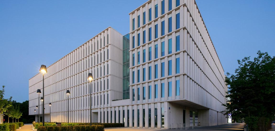 Budynek biurowo-usługowy Bobrowiecka 8, Warszawa. Projekt:JEMS Architekci. Zdj. Piotr Krajewski